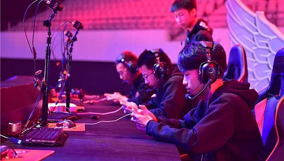 RNG 夺冠背后,中国电竞的荣辱兴衰史